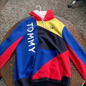 Tommy hoodie